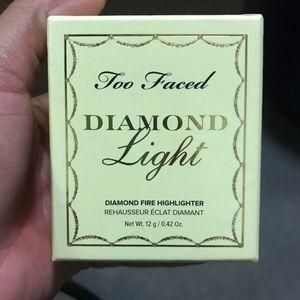 Too Faced diamond highlighter